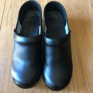 New Dansko Black comfort shoes